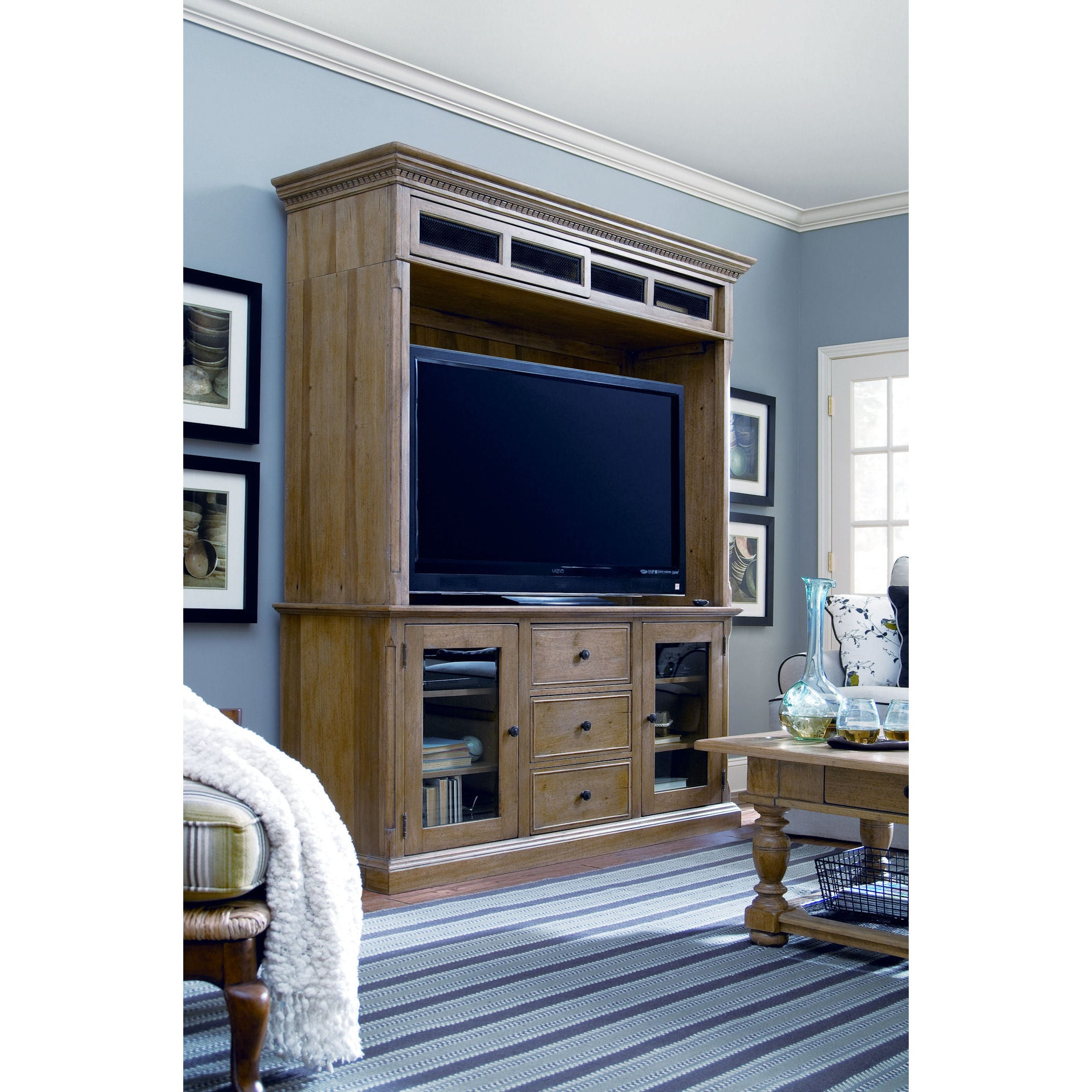PAULA Deen Down Home Oatmeal Entertainment Console and Hu...