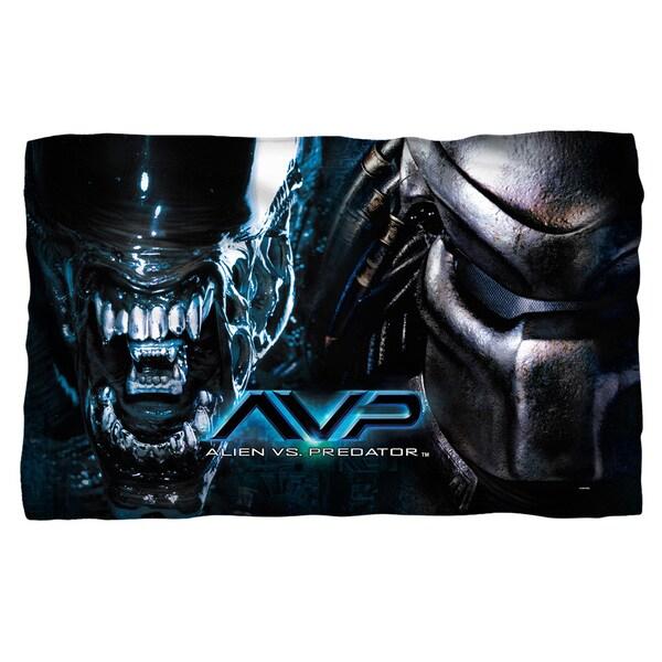 Alien Vs Predator/Poster Fleece Blanket in White