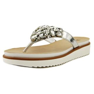 White Mountain Women's 'Vibrato' Faux Leather Sandals
