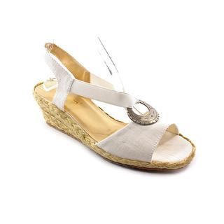Beacon Women's 'Fiesta' Basic Textile Sandals