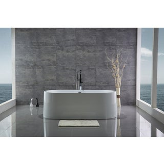 Legion Furniture White Acrylic 67-inch Freestanding Bathtub