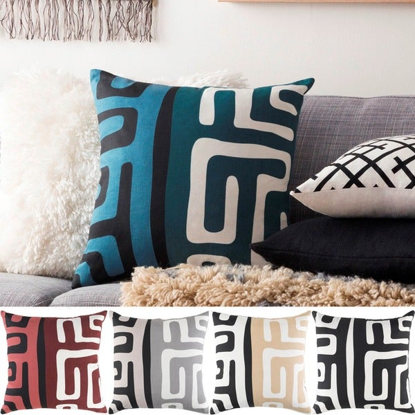 Decorative Avenue 18-inch Down or Poly Filled Pillow