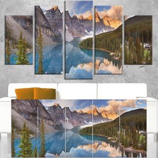 Moraine Lake in Banff Park Canada - Landscape Art Canvas Print