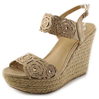 Zigi Soho Women's 'Larlene' Tan Fabric Dress Shoes