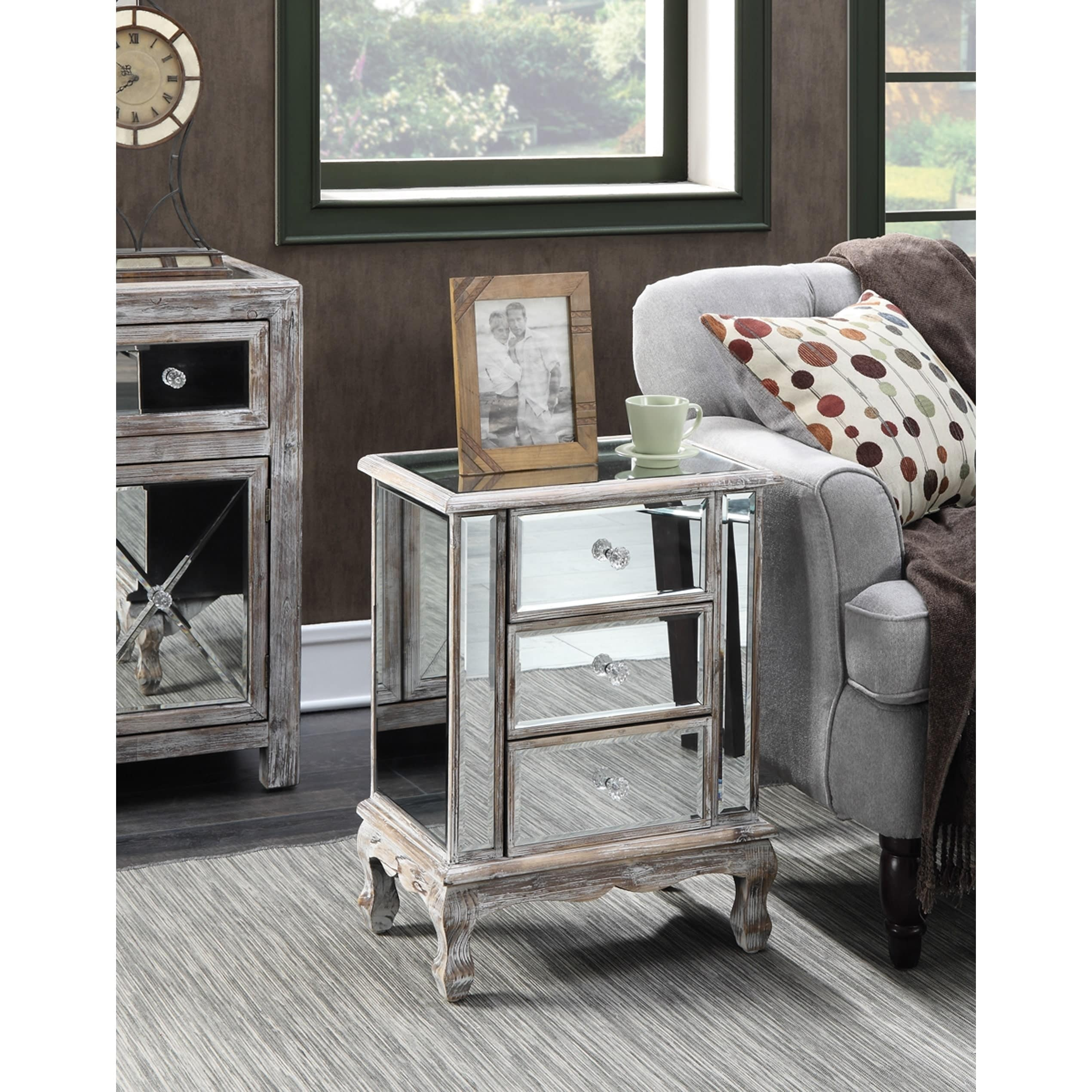 Charmant Gold Coast Vineyard 3 Drawer Mirrored End Table