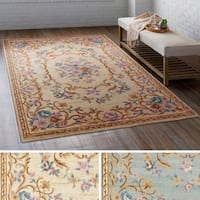 Meticulously Woven Lan Polyester Rug