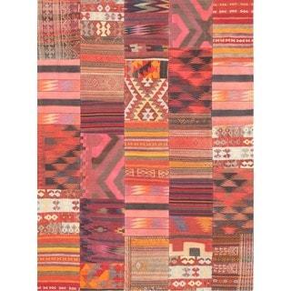 Pasargad Vintage Patchwork Wool Area Rug (5' 10 x 8' 1)