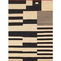 Modern Decorative Hand-woven Wool Area Rug (5' 8 x 7' 10) - Multi