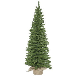 Vickerman Green Plastic 24-inch Unlit Artifical Christmas Tree