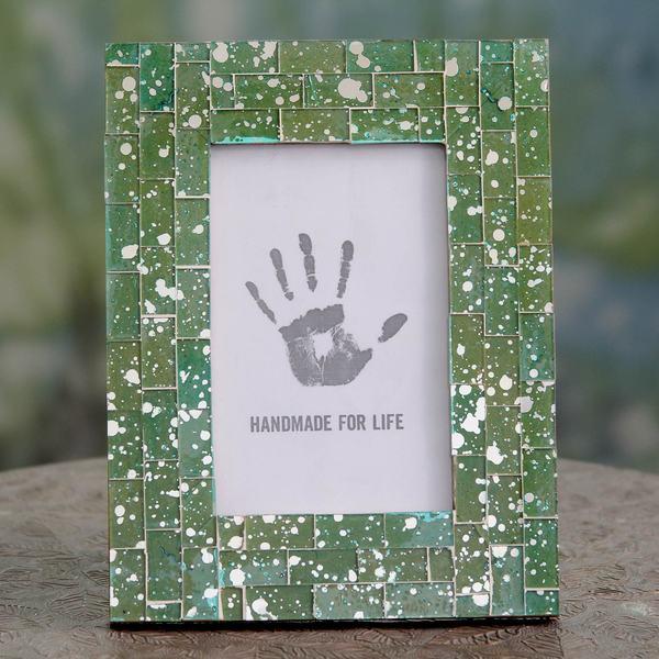 Handmade Glass Mosaic 'Moradabad Meadows' 4 x 6 Photo Frame (India)