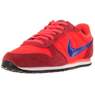 Nike Women's Genicco Brgh/University Red Casual Shoe