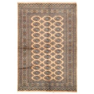 Herat Oriental Pakistani Hand-knotted Bokhara Wool Rug (4'1 x 6'2)