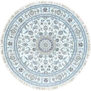 Hand-Knotted Round Nain 300 KPSI wool/ silk Oriental Rug (7'10x8')