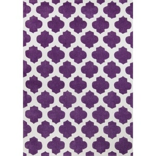 LYKE Home Hand Carved Purple Moroccon Trellis Area Rug (5'3 x 7'2)