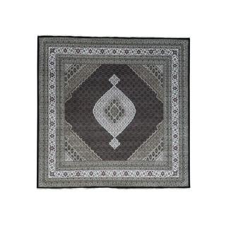 Square Hand-Knotted wool/ silk Tabriz Mahi Oriental Rug (11'10x12')