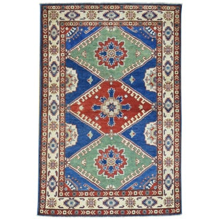 Hand-Knotted Tribal Design Kazak Wool Oriental Rug (4'10x6'2)