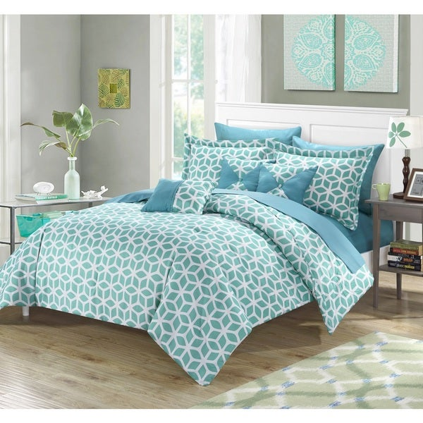 Porch & Den Denver Green 10-piece Bed in a Bag Comforter with Sheet Set
