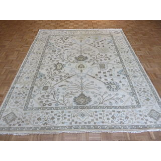 Ivory Wool Oushak Oriental Rug (8-feet 3-inches x 9-feet 11-inches)