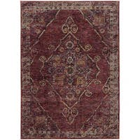 Antiqued Traditional Medallion Red/ Gold Rug (6' 7 x  9' 6) - 6'7 x 9'6