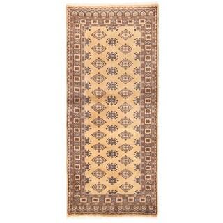 Herat Oriental Pakistani Hand-knotted Bokhara Wool Rug (2'7 x 5'10)