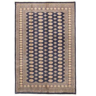 Herat Oriental Pakistani Hand-knotted Bokhara Wool Rug (6'7 x 10'2)