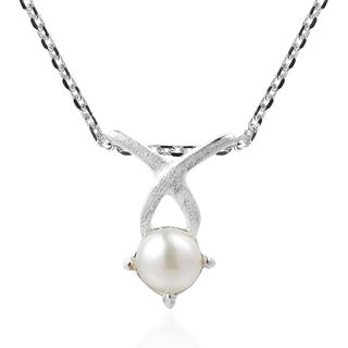 Petite Charming Satin Kiss Pearl Sterling Silver Necklace (Thailand)