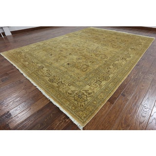 Gold Hand-Knotted Peshawar Wool Oriental Rug (8'10 x 12'9)