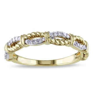 Miadora 10k Yellow Gold 1/6ct TDW Diamond Twist Ring