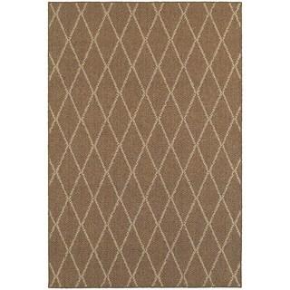 Diamond Lattice Loop Pile Brown/ Sand Indoor/Outdoor Rug (6' 7 x 9' 6)