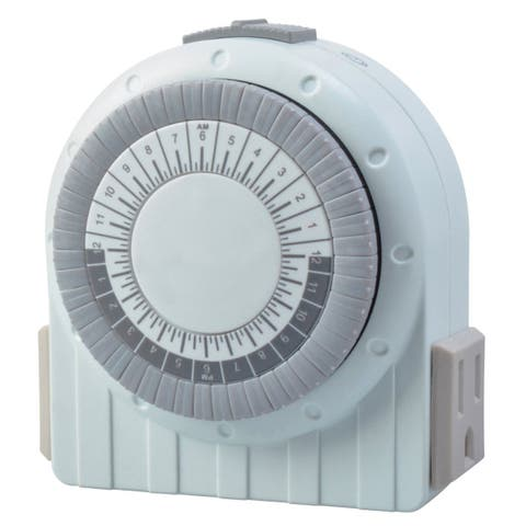 Coleman Cable Indoor Mechanical Timer With Nightlight White