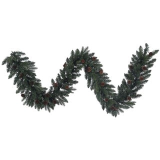 Aberdeen Spruce Green Plastic Garland with 50 Clear Lights