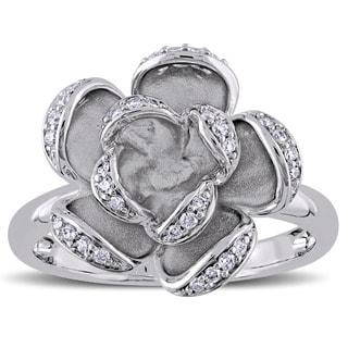 Miadora Signature Collection 14k White Gold 1/6ct TDW Diamond Flower Ring (G-H, SI1-SI2)