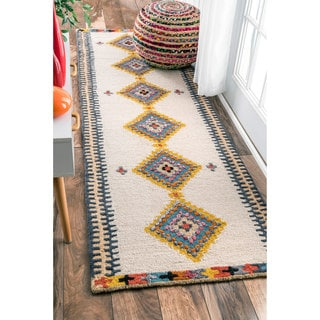 nuLOOM Handmade Tribal Diamond Beige Runner Rug (2'6 x 8')