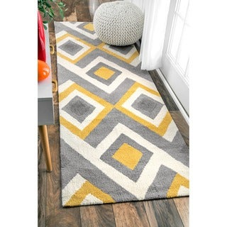 nuLOOM Handmade Geometric Triangle Grey Runner Rug (2'6 x 8')