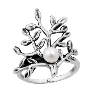Handmade Nautical Wonder Coral Bloom White Pearl .925 Sterling Silver Ring (Thailand)