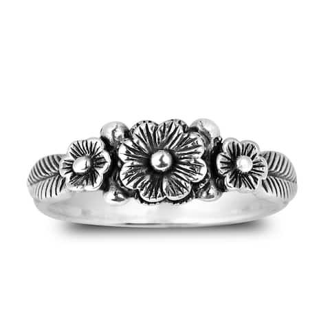 Handmade Sweet Lotus Flower Garland Sterling Silver Ring (Thailand)