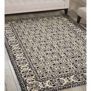 Nourison Country Heritage Black/White Area Rug (5'3 x 8'3)