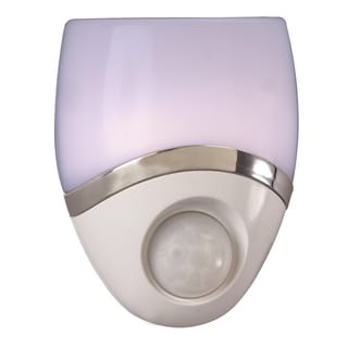 "Amertac 73092CC 1"" X 2.75"" X 2.75"" LED Night Light"