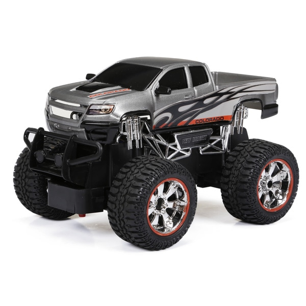 New Bright 1:24 R/C Full-function Chevy Colorado