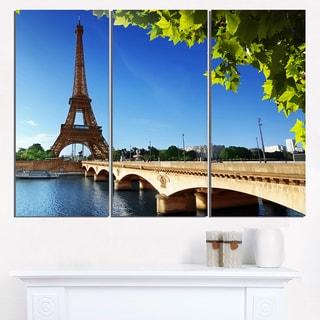 Bridge to Paris Eiffel Tower Paris - Cityscape Canvas print