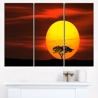 Lonely Tree with Birds at Sunset - Extra Large Wall Art Landscape