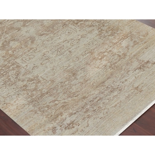 Hand-Knotted Grace Ivory/ Sand Wool and Silk Area Rug (2'x3')