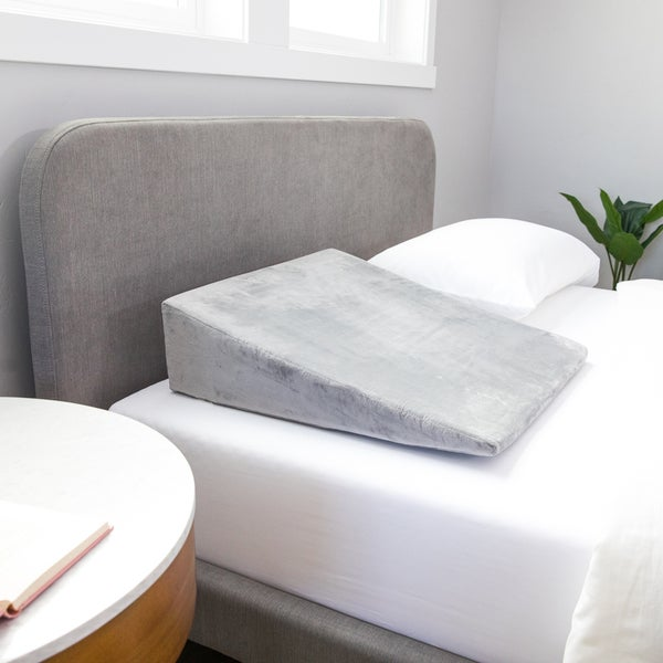 Shop Linenspa Essentials Foam Wedge Pillow Free Shipping