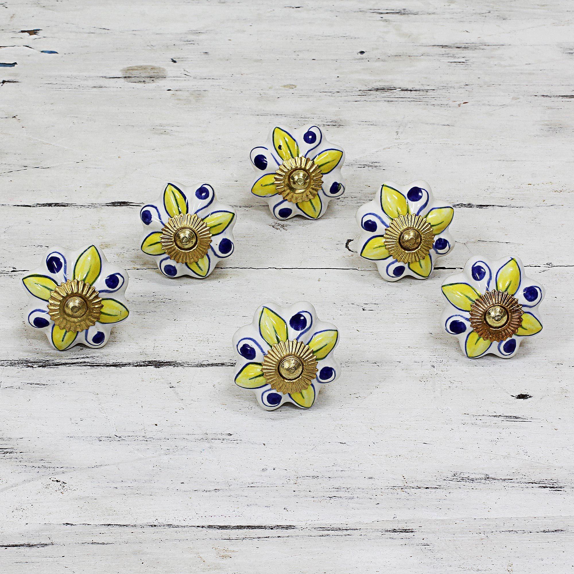 Handmade Set of 6 Ceramic Bright Sunshine Cabinet Knobs (India) (Solid)