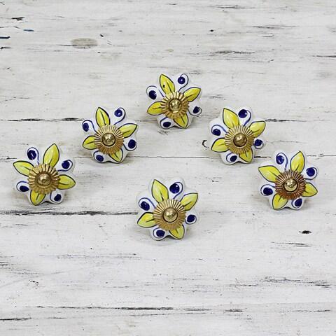 Handmade Set of 6 Ceramic 'Bright Sunshine' Cabinet Knobs (India)
