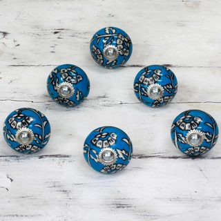 Set of 6 Handcrafted Ceramic 'Charming Blue Flowers' Cabinet Knobs (India)