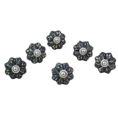 Handmade Set of 6 Ceramic 'Flower Harmony in Grey' Cabinet Knobs (India)