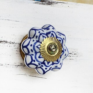 Handmade Set of 6 Ceramic 'Radiant Blue Flowers' Cabinet Knobs (India)