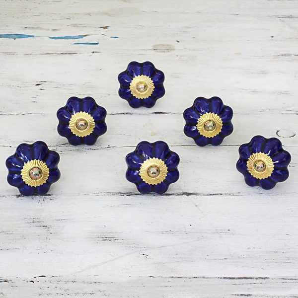 Handmade Set of 6 Ceramic 'Floral Beauties in Indigo' Cabinet Knobs (India)