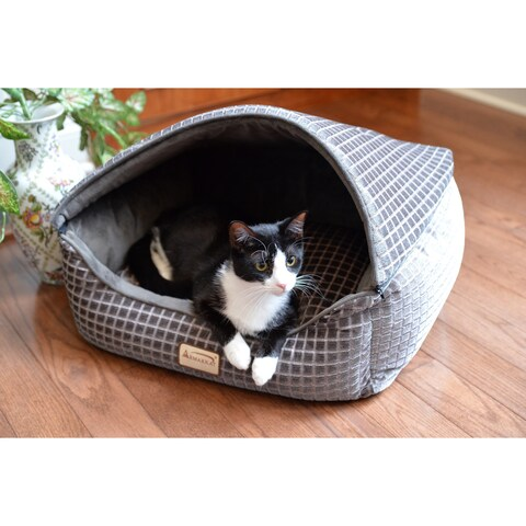Armarkat Luxe Silver Velvet/Polyfill Cat Bed